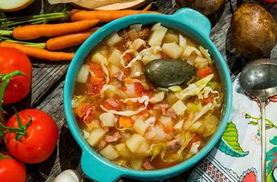 В небольшом городе Алмейрин в центре Португалии, вот уже несколько столетий самым любимым блюдом является суп из камня, или sopa da pedra.