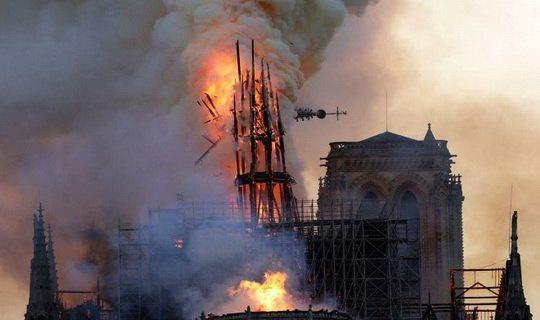 Трагическое событие с грандиозным пожаром в старинном Нотр-Дам-де-Пари привело на удивление к незначительным последствиям.