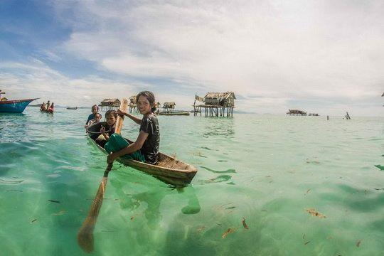 «Морские цыгане» – так часто называют этническую группу Баджо (Bajau), представляющую собой кочевой народ мореплавателей проживающих в водах Малайзии, Индонезии и Филиппин.