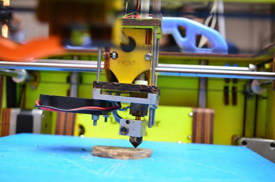 Биологический материал достаточно пластичный и не сохраняет форму при длительном процессе 3D-печати.