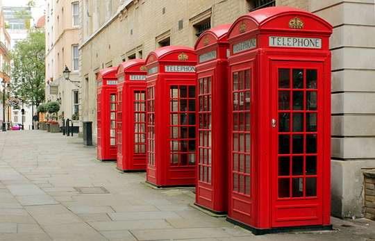 В 1990-х годах абонентам Техаса, совершавшим междугородний звонок через телефон-автомат, предлагалось выбрать оператора.