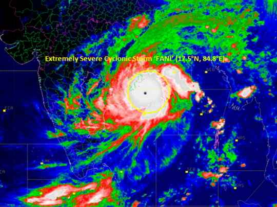 """В Бенгальском заливе тропический циклон """"Фани"""" приближается к побережью индийского штата Одиша."""
