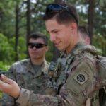 Армия США массово закупает микродроны Black Hornet для пехотинцев