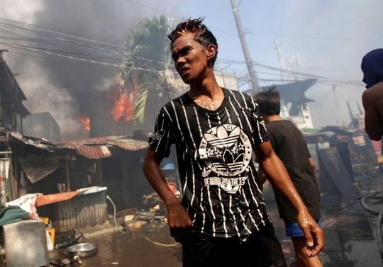 В крупнейших трущобах Филиппин живут более четырех миллионов человек.