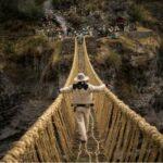 Как ежегодно обновляют последний действующий мост инков