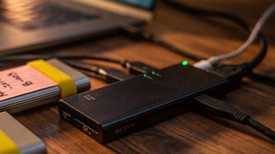 Компания Sony анонсировала высококлассный концентратор USB-C с очень богатым набором портов.