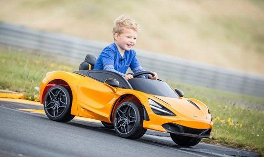 Есть игрушки действительно для детей, а есть для тех, кто хочет вернуться в детство.