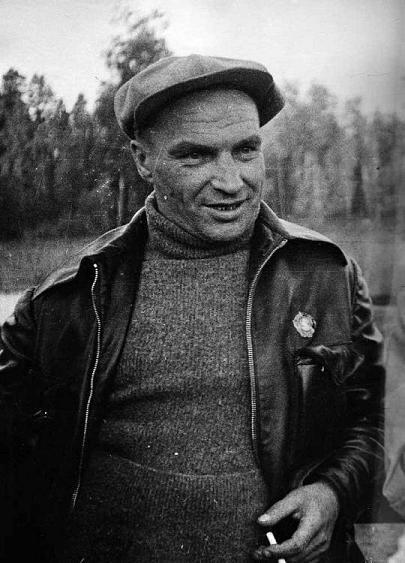 Второй раз кумир многомиллионной советской молодежи попал за решетку в 1928 году. За несколько дней до наступления обозначенного года Чкалов был назначен командиром звена 15-й Брянской авиационной эскадрильи.