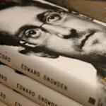 США подали иск к Сноудену из-за публикации его мемуаров