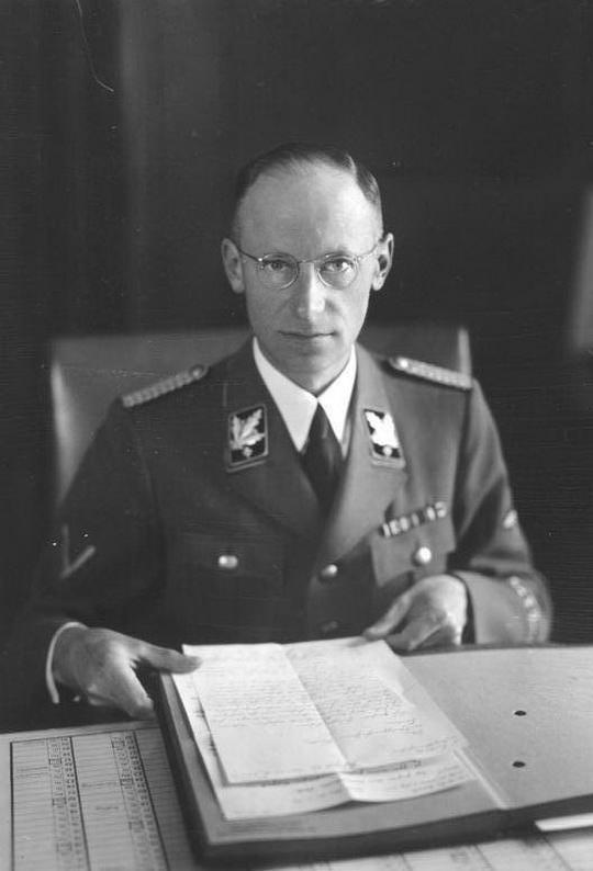 Герберт Эрнст Бакке – один из малоизвестных военных преступников Третьего рейха, которому удалось избежать заслуженного наказания