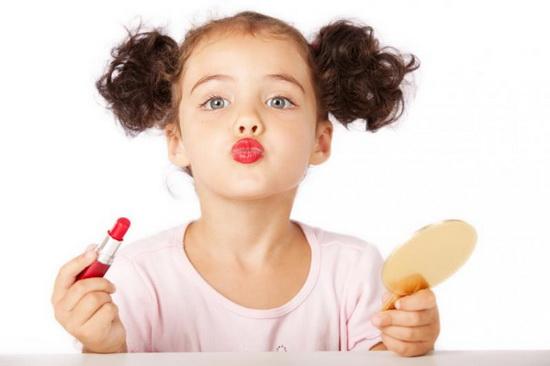 Использование косметики в раннем возрасте