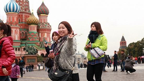 В Россию китайский турист везет лишь деньги на карманные расходы и приобретение сувениров - в среднем 2-3 тыс. юаней (18-27 тыс. рублей).