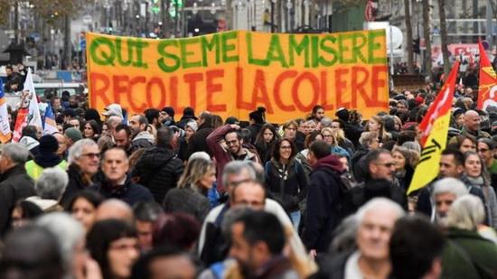 Протесты во Франции из-за пенсионной реформы