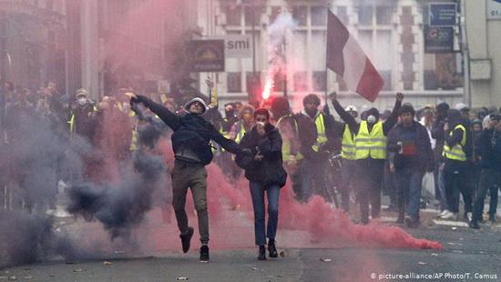 Стачка может полностью парализовать Францию