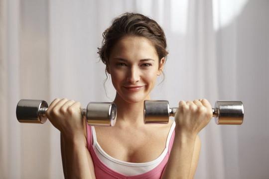 Только представьте, многие девушки до сих пор думают, что от занятий в тренажерном зале они станут мускулистыми аки Арнольд Шварценеггер