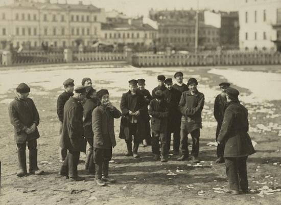 В СССР же после 7-8 лет войн, революции и разрухи, при уничтожении прежнего госаппарата,