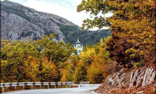 Бархатным сезоном на курортах сейчас называют период в сентябре и октябре