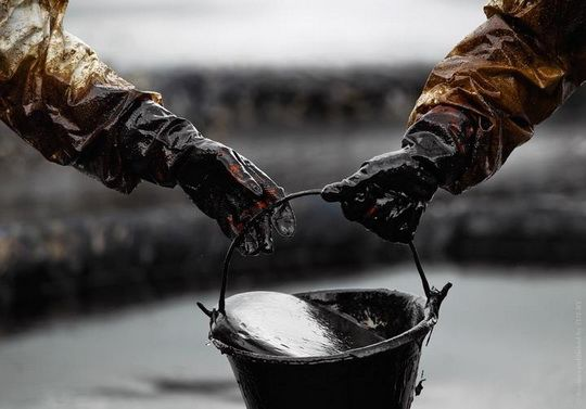 Россия предложила Беларуси покупать нефть по ценам выше мировых.
