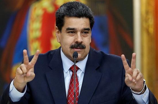 """""""Если есть уважение между правительствами, независимо от того, насколько велики США, если есть диалог, обмен правдивой информацией, будьте уверены, мы можем создать новый тип отношений. <...> Отношения, [основанные на] уважении и диалоге, приносят беспроигрышную ситуацию. Конфронтационные отношения приносят проигрышную ситуацию для всех. Это формула"""", - заявил Мадуро в интервью изданию."""