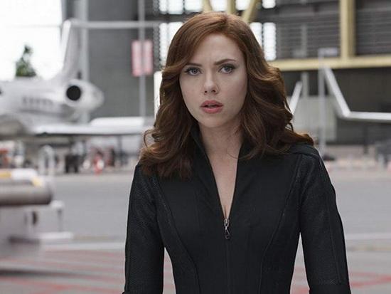 Йоханссон в роли Черной Вдовы в фильме «Капитан Америка: гражданская война».