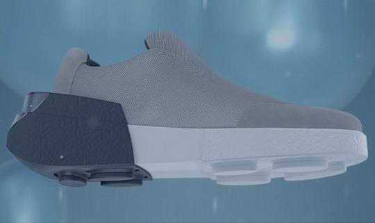 Итальянская компания Wahu разработала электропневматическую адаптируемую подошву, которая подходит к любой обуви.