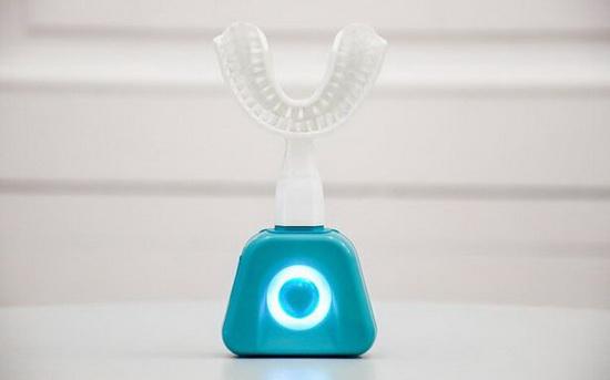 Проведенные разработчиками тесты показали, что Y-Brush удаляет на 15 % больше зубного налета, чем обычная щетка.