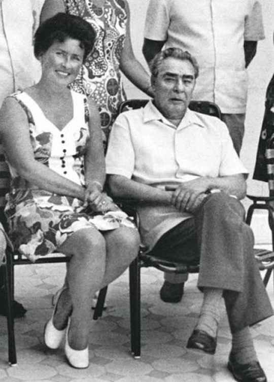 Нина Александровна Коровякова была личной медицинской сестрой и особой, приближенной к генсеку Советского Союза Брежневу в последние годы его правления