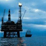 Зачем на нефтяных вышках горит огонь?