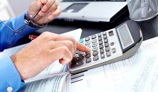 работодатель должен платить за сотрудника страховые взносы