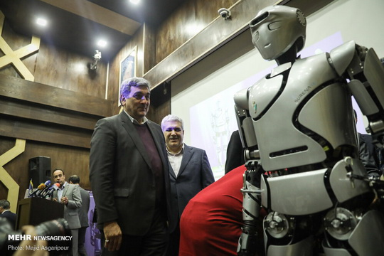 Последнее достижение иранских робототехников – Surena IV, в создании которого приняли участие более 50 исследователе