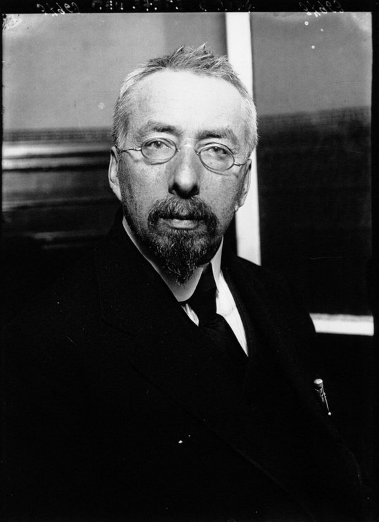 В. Бурцев