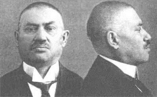В 1908 году российскую партию социалистов-революционеров (ПСР, они же просто «эсеры») сотряс невероятный скандал.