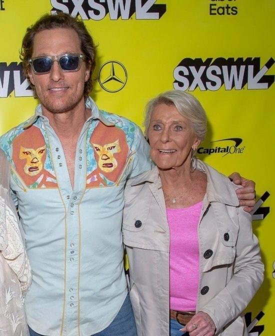 Мэттью Макконэхи с матерью Кэй Макконэхи