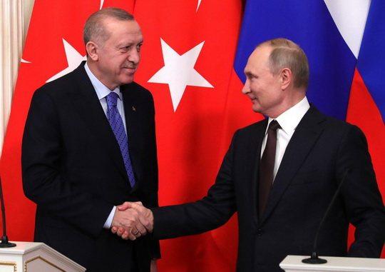 Россия и Турция договорились о новом перемирии в сирийской провинции Идлиб.