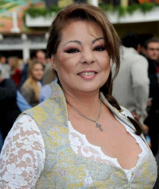 С конца 1980-х годов Сандра принимала участие в группе своего мужа Михаэля — Enigma.