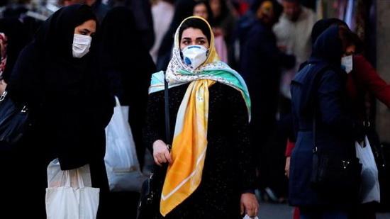 По состоянию на утро 19 марта в Иране более 17 тысяч человек инфицировались коронавирусом. Из них 1135 человек умерли.