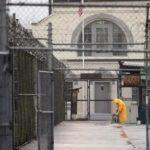 В США решили отпустить часть заключенных, что бы избежать вспышки коронавируса в тюрьмах