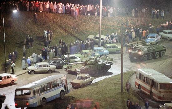 Начало распада СССР, Вильнюс, 13 января 1991 года