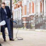 Electric Avenue: в Британии электромобили теперь можно заряжать от уличных фонарей