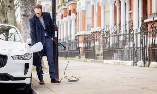 Одна из улиц лондонского района Вестминстер Сити получила название Electric Avenue, W9 после того, как компании Siemens и Ubitricity установили на ней точки для зарядки электромобилей