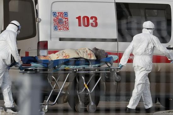 По данным на утро 13 апреля, по сведениям Федерального оперативного штаба по борьбе с коронавирусом, в России зарегистрированы 18 328 случаев заражения, выздоровели 1 470 человек, умерли 148.