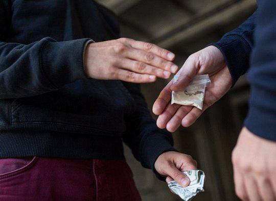 Борцы с незаконным оборотом наркотиков зафиксировали высочайший спрос на героин, метамфетамин, кокаин и другое зелье более чем в 40 штатах страны.