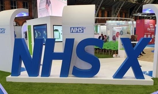 В Британии собственное приложение разрабатывает NHSX - технологическое крыло Национальной службы здравоохранения