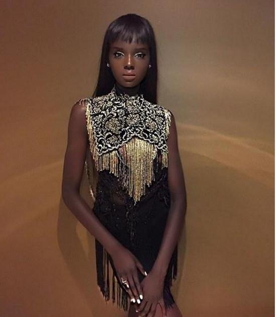 Этой темнокожей красавице по имени Даки Тот пришлось проделать долгий путь, пока её внешность не стала такой, какой является сейчас.