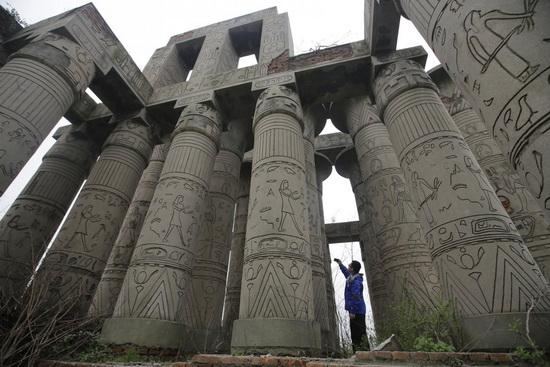 Копия Карнакского храма