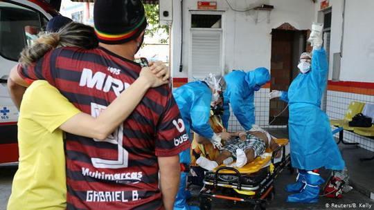 В то время как часть стран снимает карантин, в Бразилии эпидемия в самом разгаре.