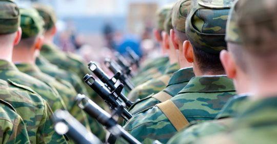 Призыв в армию выпускников школ этого года будет отложен, для них также будут предусмотрены дополнительные периоды сдачи единого госэкзамена (ЕГЭ).