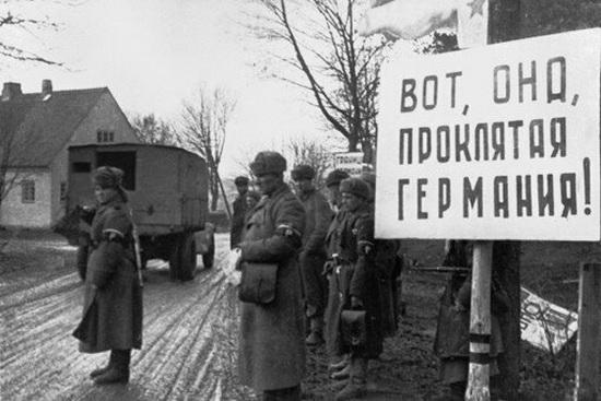 В годы войны Темин снимал для газеты «Правда» и для «Красной Звезды».