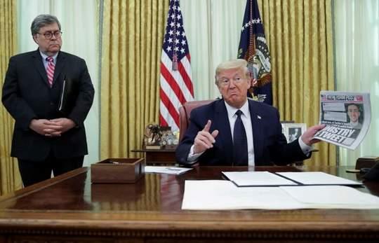 Президент США Дональд Трамп подписал в четверг исполнительный указ о регулировании деятельности социальных сетей в стране.