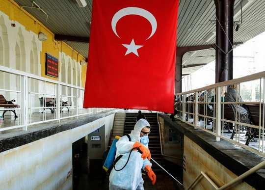 Президент Турции Реджеп Тайип Эрдоган 4 мая объявил о первых шагах по ослаблению действующего в стране карантина
